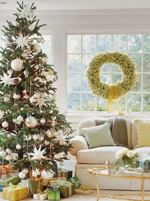 beautiful-pottery-barn-christmas-design-with-gifts-704x940