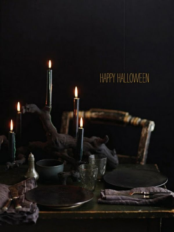 black-candle-and-plate-for-black-halloween-for-home-decorating-ideas-uni-wall