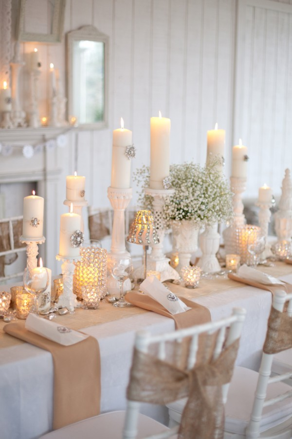 Burlap-and-white-table-decor