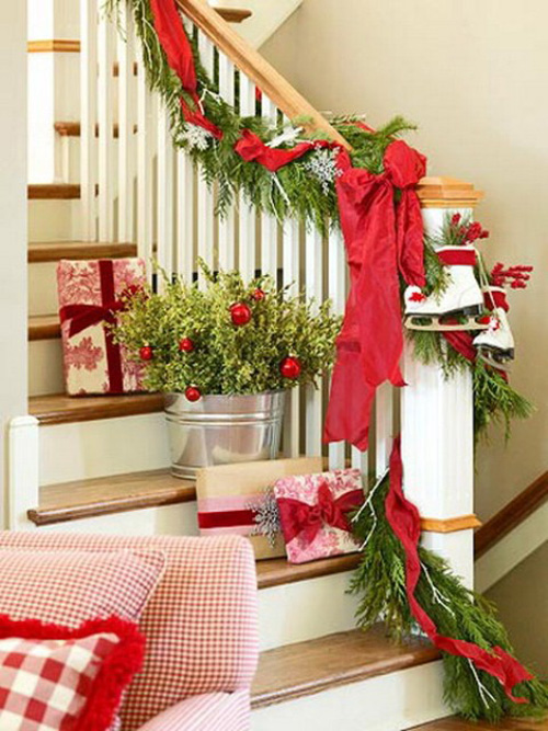 Christmas-Stairs-Decorations-Ideas-38