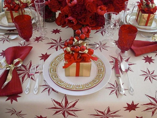 Nice-White-Christmas-Table-Decorations