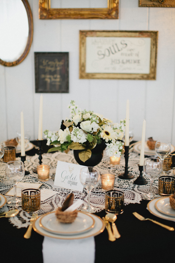 Vintage-Gold-Black-and-Lace-Tablescape-600x900
