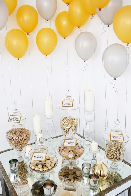 decoracao festa reveillon : decoracao festa reveillon:Gold and Silver Dessert Table