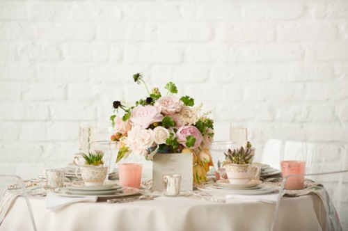Vintage-Pink-and-Silver-Tabletop-600x399