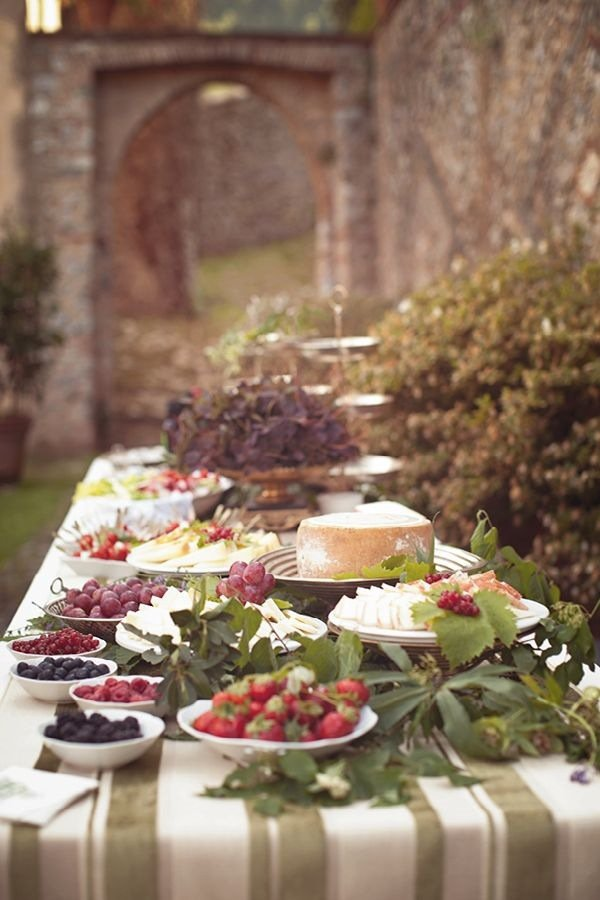 outdoor-buffet-table-decorating-ideas-how-to-arrange-food-buffet